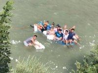 Zap suyunda köy usulü rafting