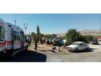 Nevşehir'de pikap otomobile çarptı: 4'ü çocuk 8 yaralı