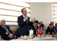 Geleneksel bayramlaşma programı Esentepe Mahalle Odası'nda gerçekleştirildi
