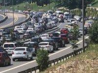 Tatilciler dönüşe geçti! Trafik çilesi başladı...