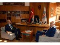 Kılıçdaroğlu, Avanos Belediyesini ziyaret etti