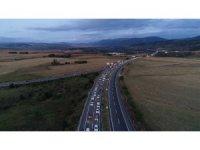 Karadeniz bağlantı yolunda trafik yoğunluğu devam ediyor