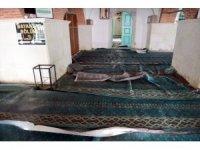 Tarihi Küçük Ayasofya Camisinde temizlik ve tadilat başladı