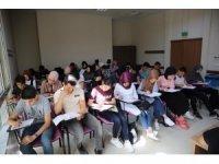 Darıca Belediyesinden üniversiteye hazırlanan öğrencilere eğitim desteği