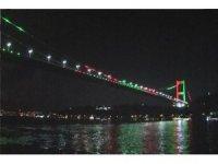 FSM Köprüsü Afganistan bayrağı renklerine büründü