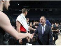 Bakan Kasapoğlu'ndan millilere ziyaret