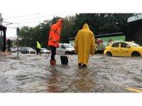Sağanak yağış Kocaeli'yi etkisi altına aldı