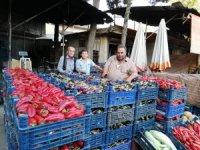 Kilis'te kurutmalık patlıcanlar ile biberler piyasada