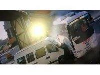 Şanlıurfa'da 4 kişinin yaralandığı kaza anı güvenlik kamerasında