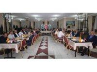 Bayburt'tan ayrılacak olan vali yardımcıları onuruna veda yemeği