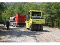 Konyaaltı Belediyesi'nden Doyran'a asfalt.