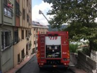 Beyoğlu'nda çatı yangını paniğe neden oldu