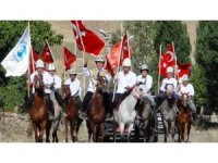 'Ata Yurdundan Anayurduna Kırgız Kardeşler Van'da buluştu