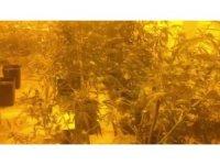 Uyuşturucu üretilen eve operasyon: 2 gözaltı