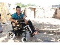 Abdulkadir, okula artık akülü sandalye ile gidecek