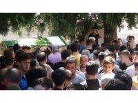 İstanbul'da girdiği denizde boğulan 19 yaşındaki genç toprağa verildi