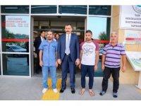Vali Çiftçi'den maganda kurşunuyla yaralanan Muhammed Efe'nin ailesine ziyaret