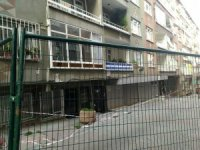 Bağcılar'da yıkılma tehlikesi bulunan bitişik iki bina boşaltıldı