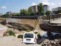 Samsun'daki sel felaketi... Köprünün çökme anı saniye saniye görüntülendi