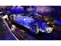 Gece yarısı feci kaza: 1 ölü, 2 yaralı