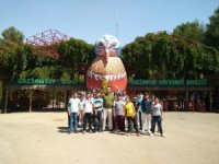 Başaralı öğrencilere hayvanat bahçesi gezdirildi