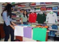 Okul kıyafetlerinde imalata gelen yüzde 40'lık zam fiyatlara yüzde 15 olarak yansıdı