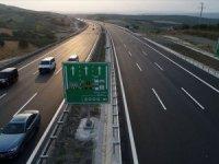 Ulaştırma Bakanı Turhan açıkladı: İstanbul- İzmir otobanını 2,5 milyona yakın araç kullandı