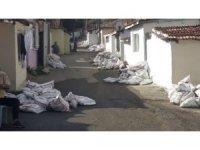 Çorlu SYDV'den ihtiyaç sahiplerine kömür yardımı