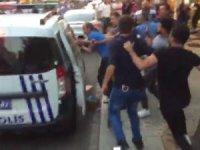 Güngören'de kuaförde taciz iddiası... Linç girişiminde bulunan kalabalığı polis havaya ateş açarak dağıttı