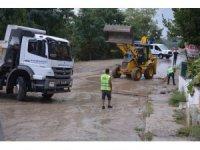 Sinop'ta şiddetli yağmur hayatı olumsuz etkiledi