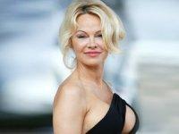Pamela Anderson, 'Susamam'ı paylaştı... Sosyal medya yıkıldı!