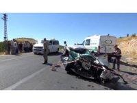 Gaziantep'te taş yüklü kamyon ile otomobil çarpıştı: 1 ölü, 1 yaralı