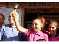 Kula'da 6 bin 541 öğrenci için ilk ders zili çaldı