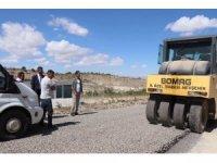 Aksalur'da asfalt çalışmaları hız kesmeden devam ediyor