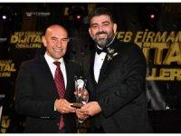 Başkan Soyer'e sosyal medya ödülü