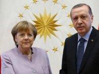 Erdoğan'la Merkel arasında kritik telefon görüşmesi!