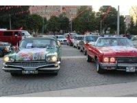 Klasik otomobillerden Gastrofest'e destek korteji