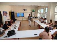 GKV'li İngilizce öğretmenlerine yeni öğretim teknikleri anlatıldı