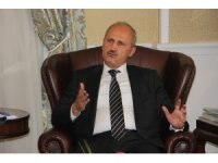 """Bakan Turhan: """"Hızlı demir yolunda projelerimiz sonlanma aşmasına geldi"""""""