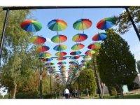 Gülşehir'de şemsiyeli sokak büyük ilgi görüyor