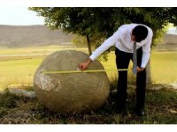 Erzurum'da Moğollardan kalma 2 ton ağırlığında mancınık güllesi bulundu