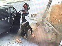 İstanbul'da fırtına dehşeti: Kiremitler uçtu, bir kadın ölümden döndü