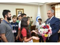 Kırşehirli öğrenciler Rektör Turgut ile bir araya geldi