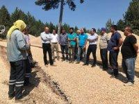 Kırsal mahallelerin yol bakım çalışmaları devam ediyor