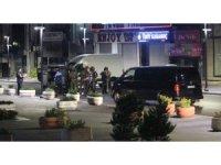 İstanbul'da AVM ve rezidansa ateş edip lüks otomobille kaçtılar