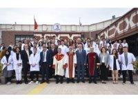 OMÜ Tıp Fakültesinin yeni öğrencileri beyaz önlük giydi