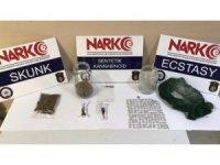 Sivas'ta uyuşturucu uygulamalarında 4 kişi tutuklandı