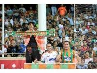 Süper Lig: Aytemiz Alanyaspor: 3 - Fenerbahçe: 1 (Maç sonucu)