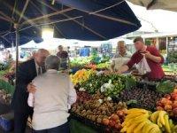 Başkan Davut pazarı gezdi