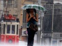 İstanbul Valiliği uyardı! Cuma günü şemsiyesiz dışarı çıkmayın